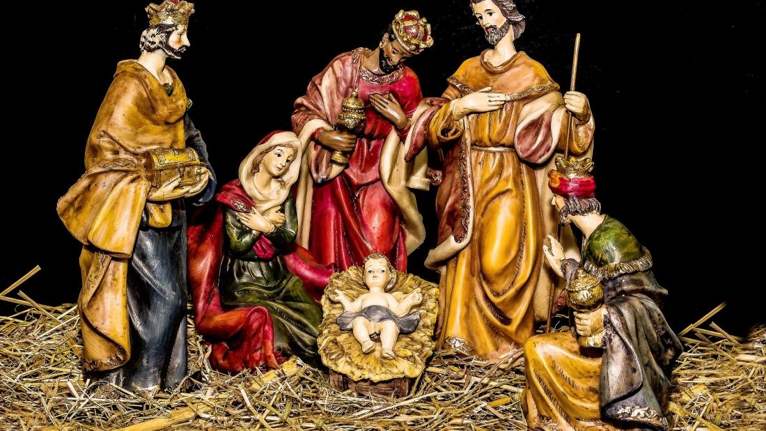 christmas-crib-figures-1905869_1920