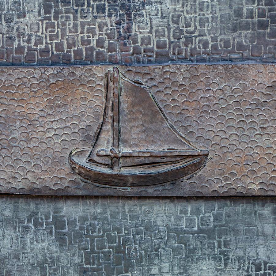 Portone di sinistra (particolare simboli di S. Pietro)